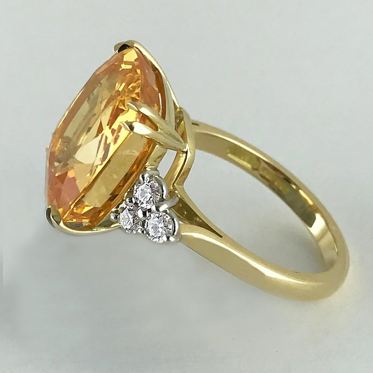 13.55 Carat Cushion Cut Certified Untreated Orange Sapphire Ring In Excellent Condition For Sale In London, GB