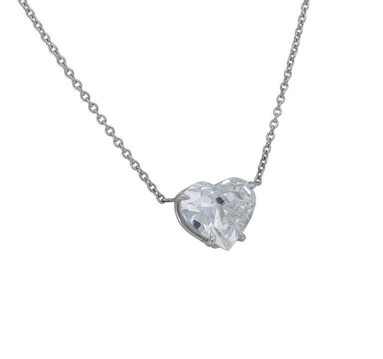 Contemporary 1.36 Carat Heart Shape Diamond Solitaire Pendant Necklace For Sale