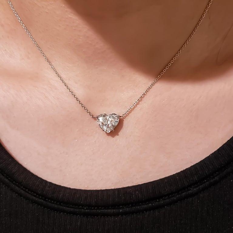 1.36 Carat Heart Shape Diamond Solitaire Pendant Necklace For Sale 1