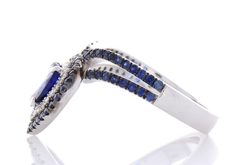 Contemporary 1.36 Carat Heart Shaped Blue sapphire & Diamond Cocktail Ring In 18K White gold For Sale