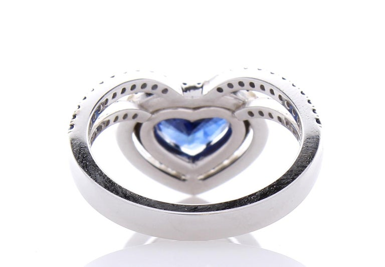 Women's 1.36 Carat Heart Shaped Blue sapphire & Diamond Cocktail Ring In 18K White gold For Sale