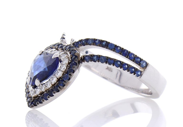 1.36 Carat Heart Shaped Blue sapphire & Diamond Cocktail Ring In 18K White gold For Sale 3
