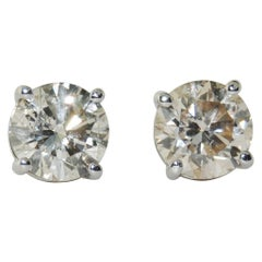 1.37 Carat Diamond Stud Earrings in 14 Karat White Gold