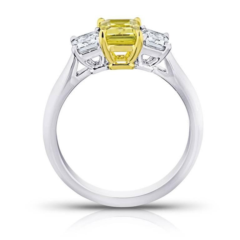 Contemporary 1.37 Carat Emerald Cut Yellow Sapphire and Diamond Platinum and 18k Ring For Sale