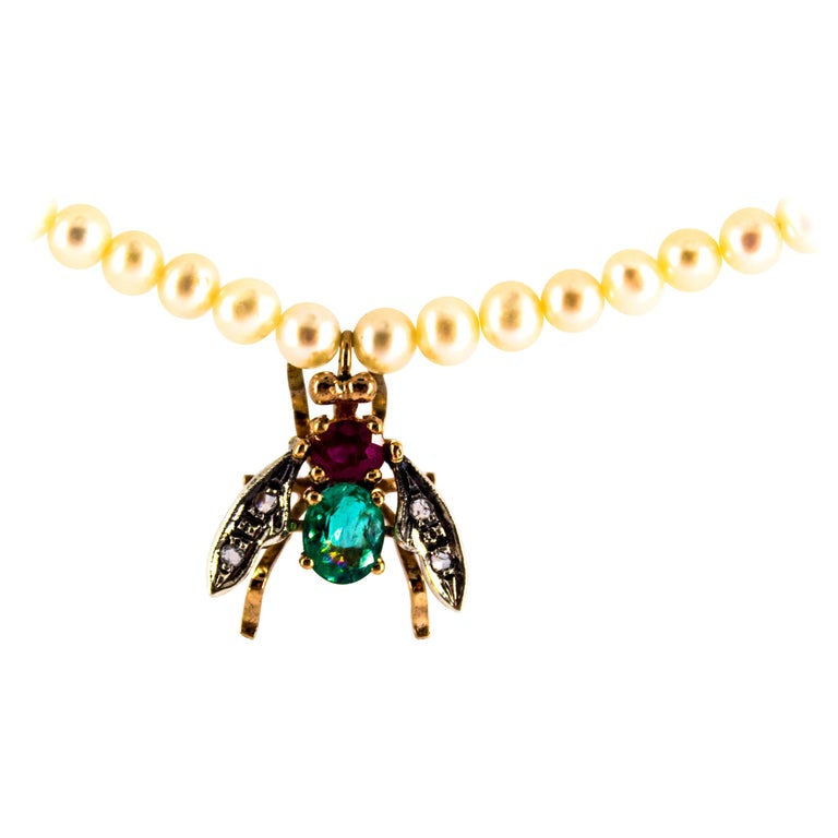 "1.38 Carat Diamond Ruby Emerald Pearl Yellow Gold ""Fly"" Pendant Beaded Necklace For Sale"