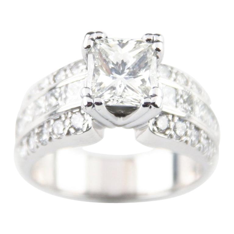 1.39 Carat Princess Cut Diamond 14 Karat White Gold Ring with AIG-Certified