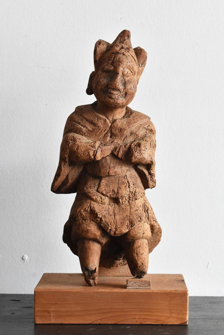 13th-16th Century Japanese Old Wood Carving Armed God / Buddha Statue For Sale 12