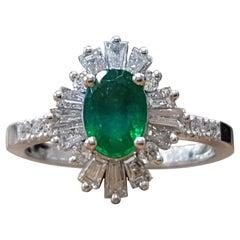 1.4 Carat 14 Karat Gold Oval Cut Green Emerald Gatsby Style Engagement Ring