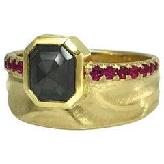1.4 Carat Black Diamond Ring, 14 Karat Yellow Gold and 0.28 Carat Pink Sapphires