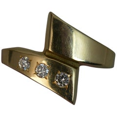 14 Carat Gold and Vvs Diamond Trilogy Ring on Twist