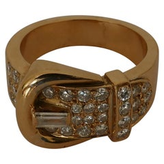14 Carat Yellow Gold Diamond Buckle Ring