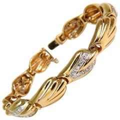 14 Karat 1.00 Carat French Pave Diamond Shell Bracelet G/VS