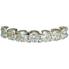 "14 Karat 1.80 Carat ""U"" Sharing Prong Kissing Diamonds Ring"