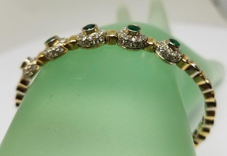 14 Karat 2-Tone Gold Diamond and Emerald Flexible Bracelet For Sale 4