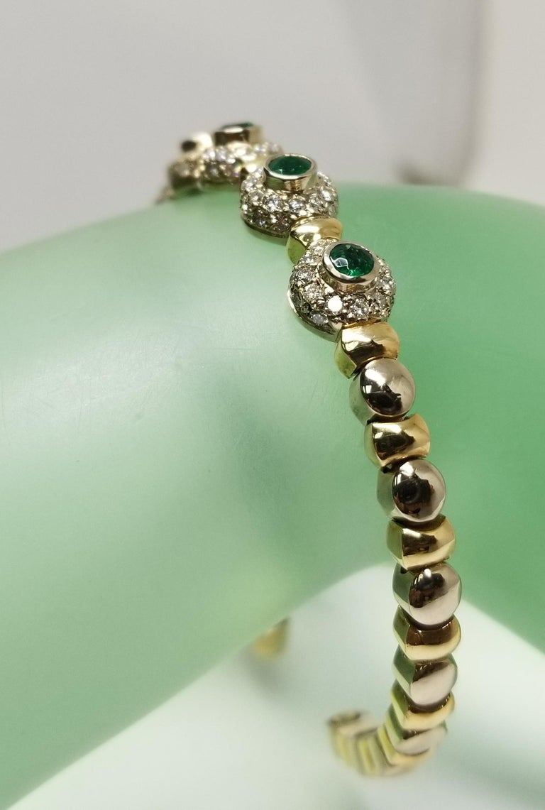 14 Karat 2-Tone Gold Diamond and Emerald Flexible Bracelet For Sale 5