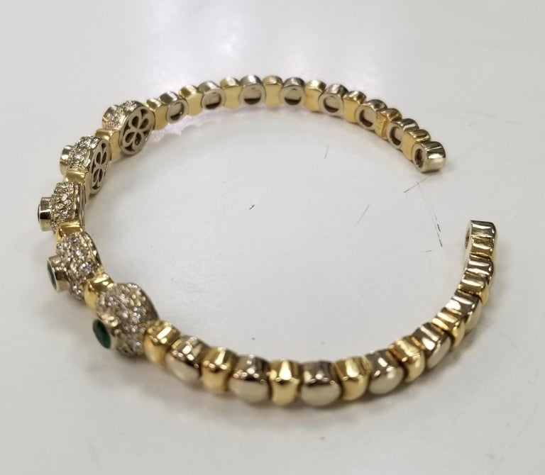 Round Cut 14 Karat 2-Tone Gold Diamond and Emerald Flexible Bracelet For Sale