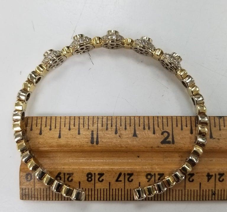 14 Karat 2-Tone Gold Diamond and Emerald Flexible Bracelet For Sale 1