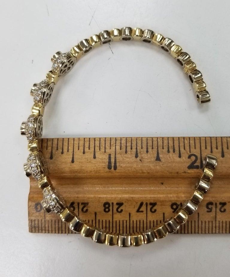 14 Karat 2-Tone Gold Diamond and Emerald Flexible Bracelet For Sale 2
