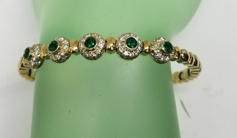 14 Karat 2-Tone Gold Diamond and Emerald Flexible Bracelet For Sale 3