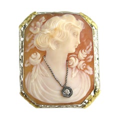14 Karat Cameo Brooch White and Yellow Gold Frame Victorian Pin