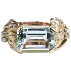 14 Karat Gold 13.75 Carat Emerald Cut Aquamarine Diamond Cocktail Ring