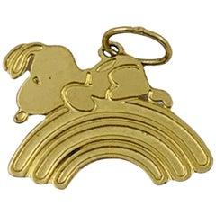 14 Karat Gold 1958 United Feature Syndicate Snoopy on Rainbow Charm Pendant