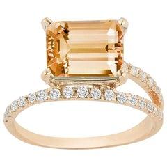 14 Karat Gold Citrine Point of Focus Ring