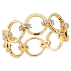 14 Karat Gold Connected Circle Ring