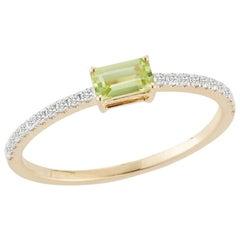 14 Karat Gold Emerald Cut Peridot Ring