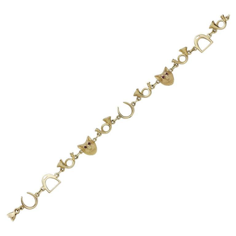 14 Karat Gold Hunting Bracelet For Sale