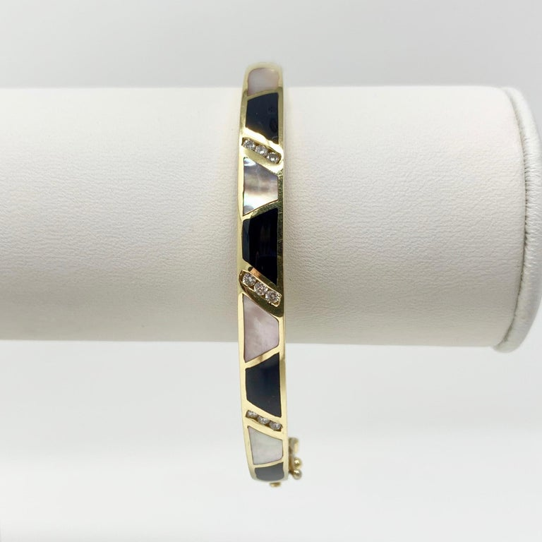 14 Karat Gold Onxy Mother of Pearl and Diamond Inlay Bangle Bracelet In Good Condition In Brandford, CT