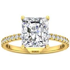 14 Karat Gold Radiant Diamond with Pavé 3 Carat Center '3.3 Carat' E SI1 GIA