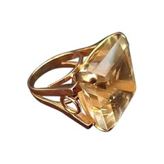 14 Karat Gold Ring with 42 Carat Citrine