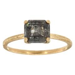 14 Karat Gold Solitare Emerald Salt and Pepper Diamond Ring Center, 2.01 Carat