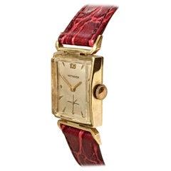 14 Karat Gold Vintage 1940s Wittnauer Wristwatch
