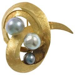 14 Karat J.R. Co Blue-Gray Pearl Swirl Brooch