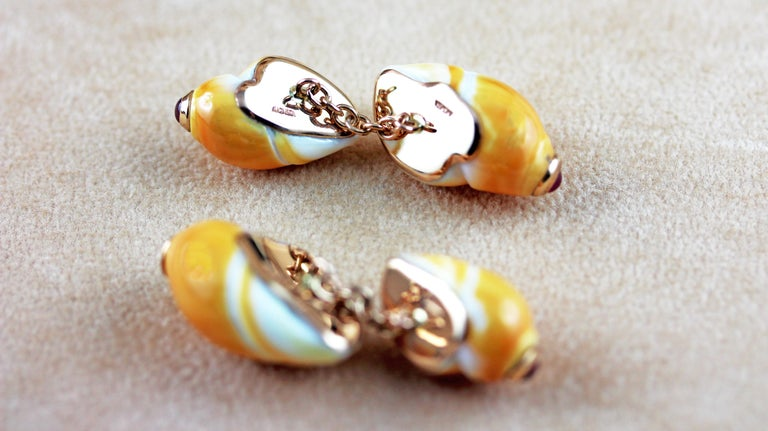 14 Karat Rose Gold Ruby Orange Shell Cufflinks In New Condition For Sale In Milano, IT