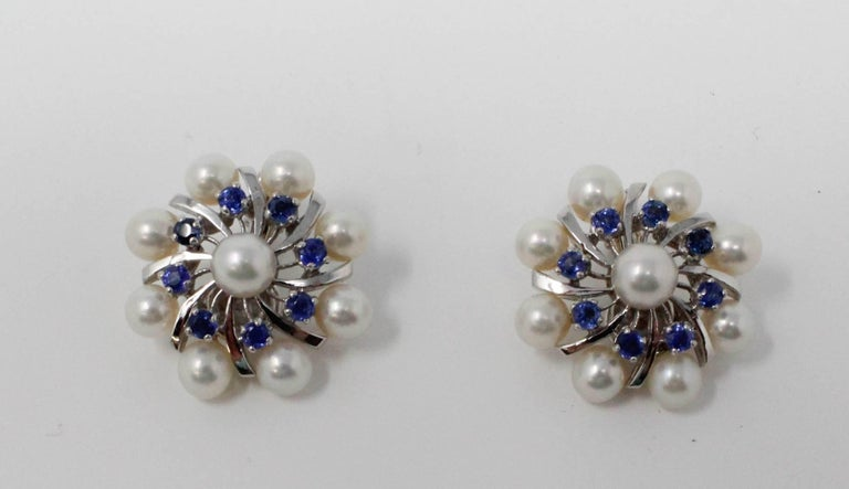 14 Karat White Gold Earrings with Pearls and Sapphires In Excellent Condition For Sale In Santa Fe, NM