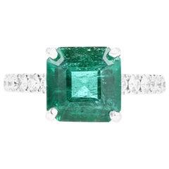 14 Karat White Gold 2.83 Carat Natural Emerald and Diamond Ring