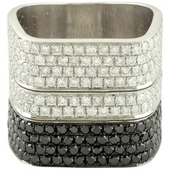 14 Karat White Gold 2.89 Carat Round Cut Diamond Pave Band Ring
