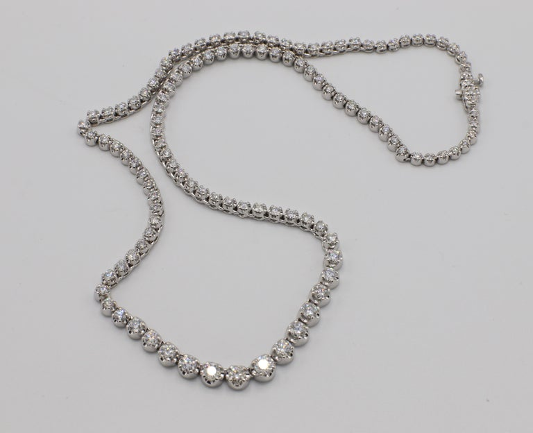 14 Karat White Gold 7 Carat Diamond Riviera Graduated Necklace In Excellent Condition For Sale In  Baltimore, MD