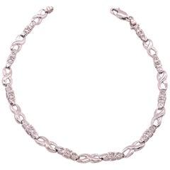 14 Karat White Gold Fashion Bracelet with Round Diamonds
