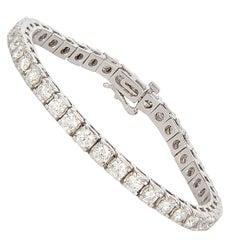 14 Karat White Gold and Diamond Tennis Bracelet 8.00 Carat
