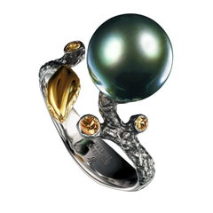 18 Karat White Gold Dark Tahitian Pearl and Yellow Sapphires Cocktail Ring