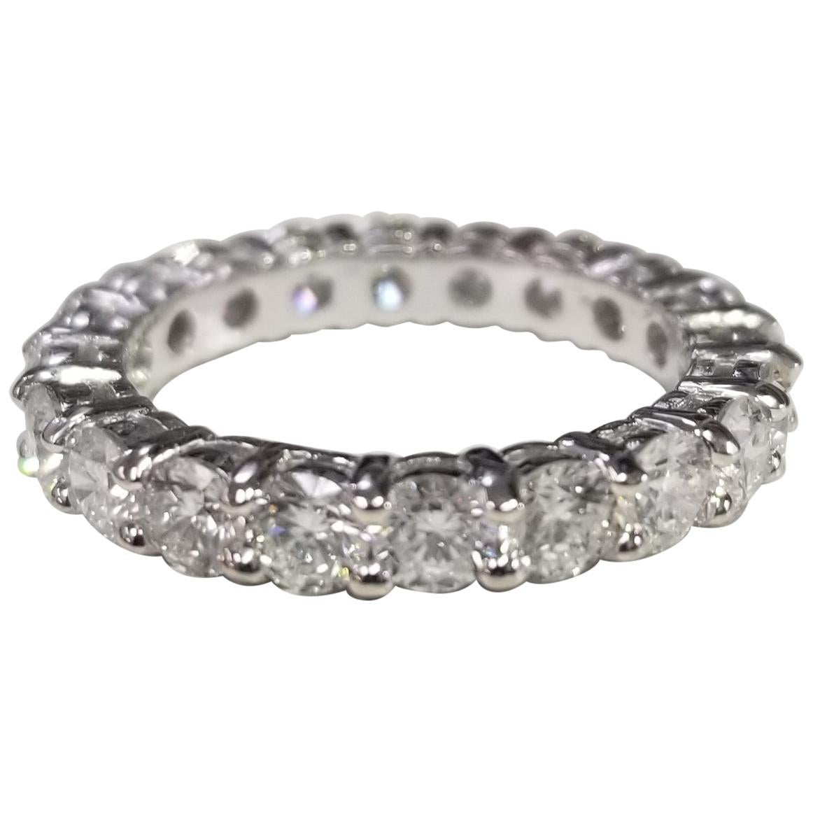 14 Karat White Gold Diamond 2.50 Carat Eternity Ring with Shared Prongs