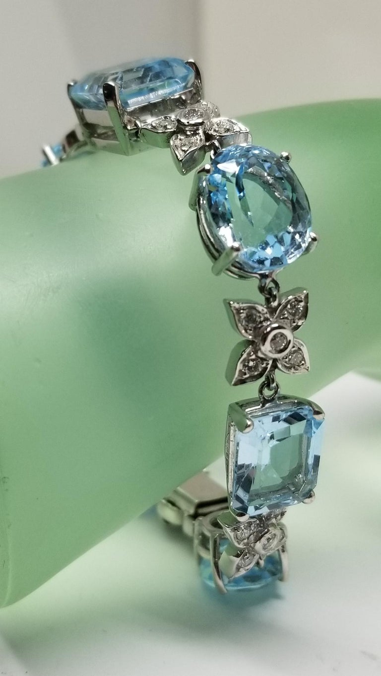 14 Karat White Gold Diamond and Blue Topaz Bracelet For Sale 4