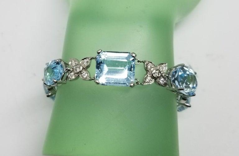14 Karat White Gold Diamond and Blue Topaz Bracelet For Sale 2