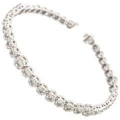 14 Karat White Gold Diamond Cluster Bracelet