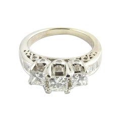 14 Karat White Gold Diamond Engagement Ring