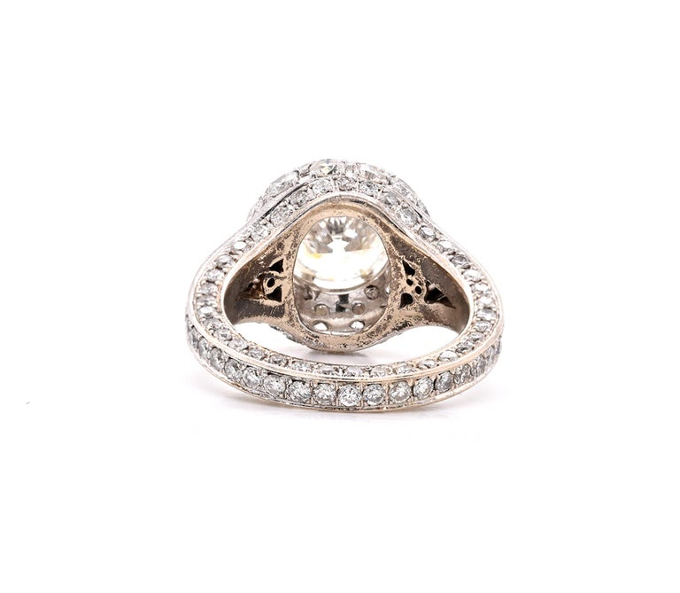 14 Karat White Gold Diamond Engagement Ring with Pave Diamond Setting In Excellent Condition For Sale In Scottsdale, AZ